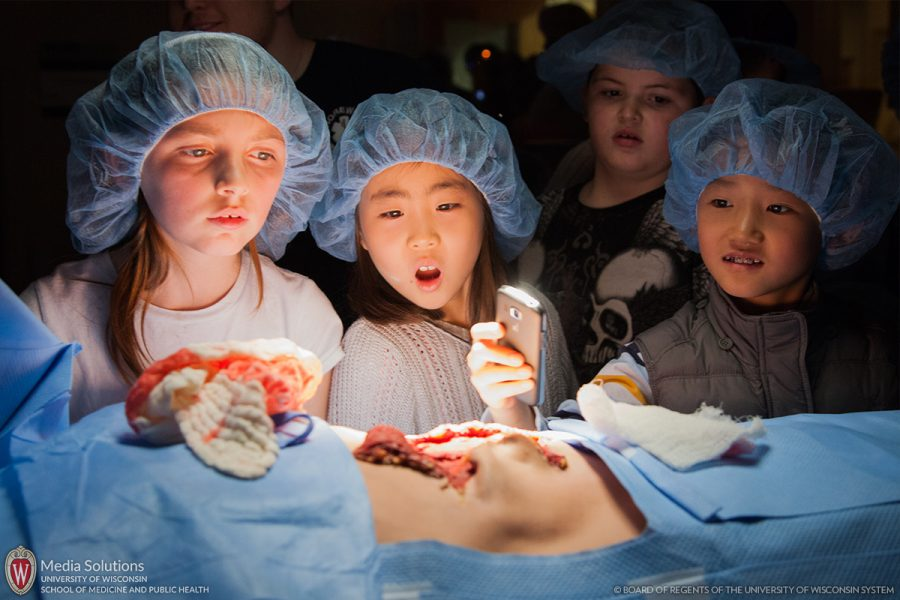 Kids, mock surgery, UW, Science Expeditions, Campus Open House, UW-Madison, campus.
